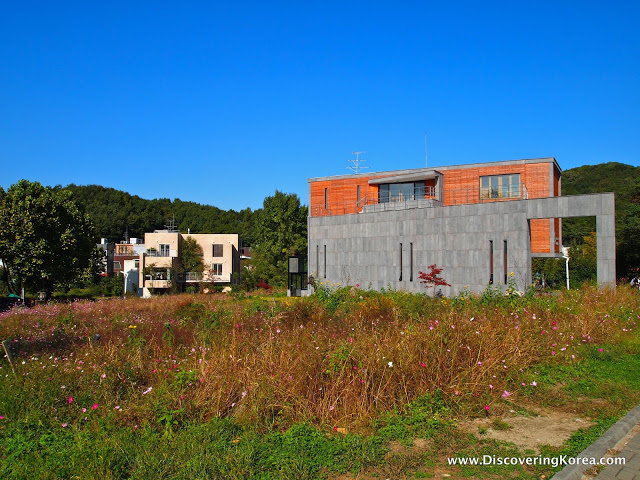 Buidling under construction at the Heyri Artists Village in Paju